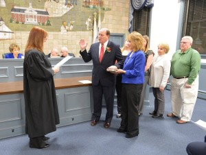 Lester Preston being Sworn in Judge Kondrup-Coyle